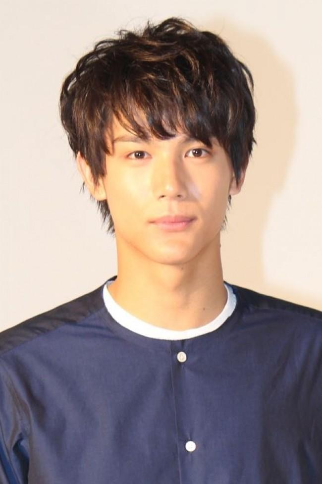 中川大志2018年の髪型は?短髪やパーマのセットがカッコイイ